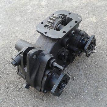 Коробка отбора мощности ЗИЛ под насос НШ-10 и двумя выходами под карданную передачу КДМ 130Б.12.10.000-02