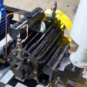 Компрессорная станция ВР-8/2,2 с клиноременным соединением с электродвигателем 22 кВт
